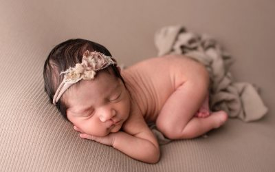Indianapolis Mini Newborn Photographer | Welcome Vania